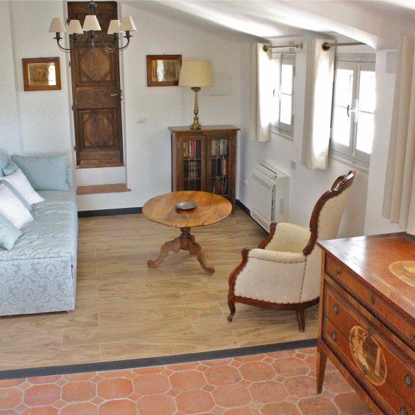 Le coin salon de la chambre d'hôtes La Demeure