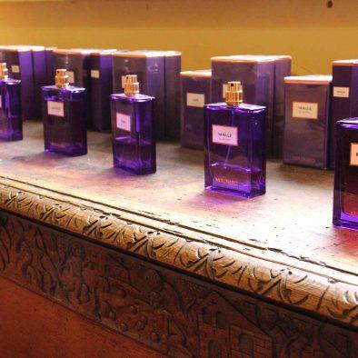 Flacons de parfum Molinard violets