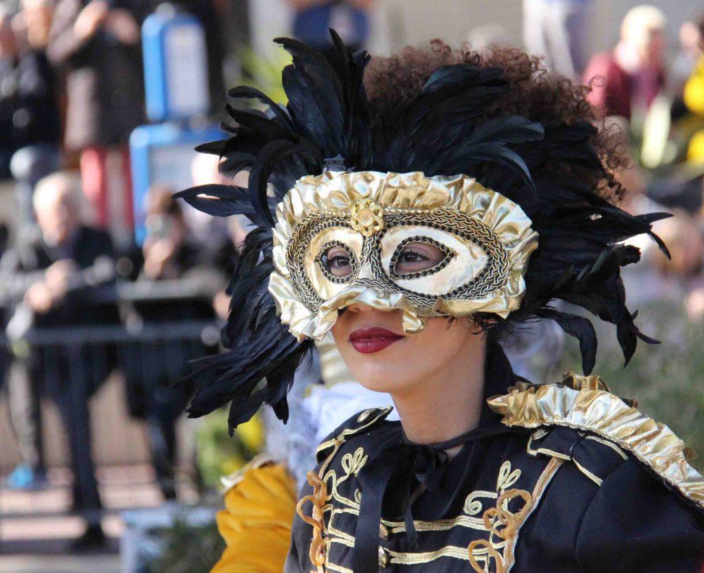 Masque vénitien noir